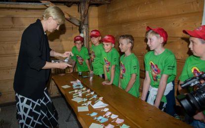 Pierwsza Dama RP na Wakacjach z Muszkieterami spotkała się z dziećmi z Płocka