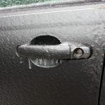 poradnik sposób na zamarznięty samochód